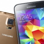 Galaxy S5 is still struggling to match iPhone 5S sales